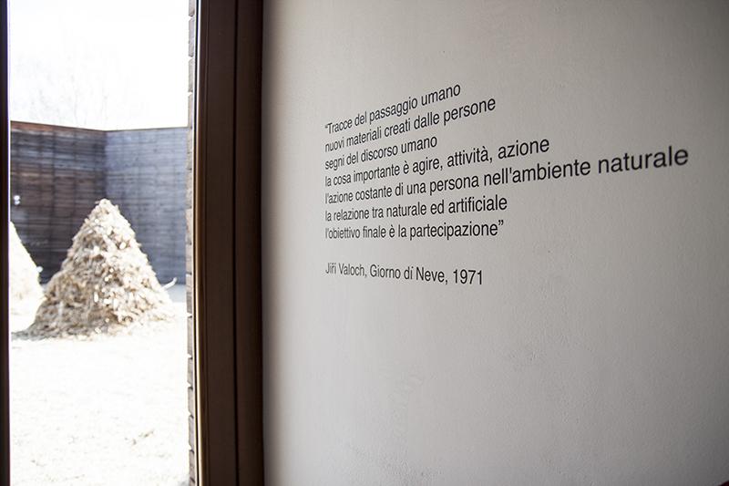 estratto da un testo di Jiri Valoch, scritta su muro