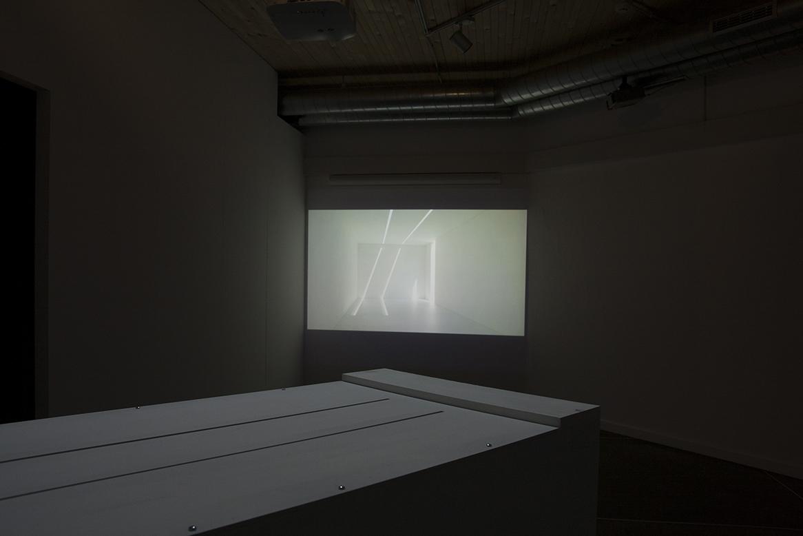 immagine del video Vedute sul tempo circolare, in prospettiva proiettato a muro
