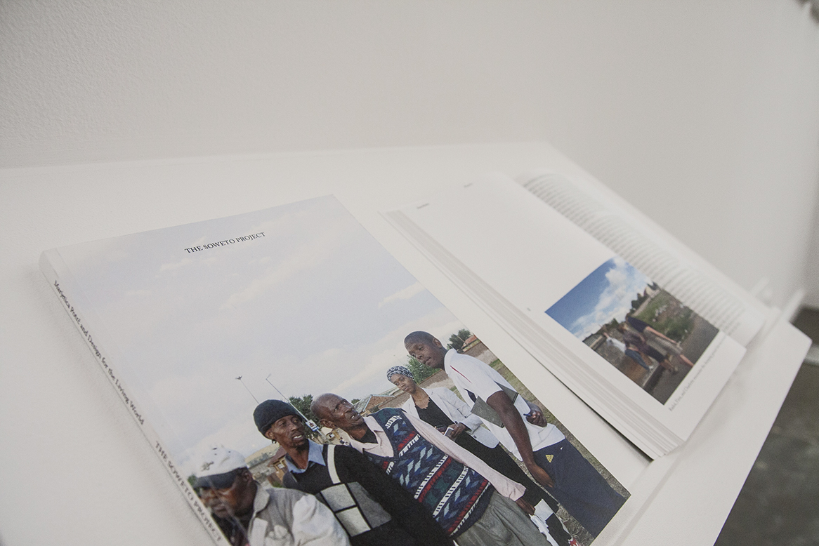 Marjetica Potrc, The Soweto Project, 2014, libro edito da Archive Books