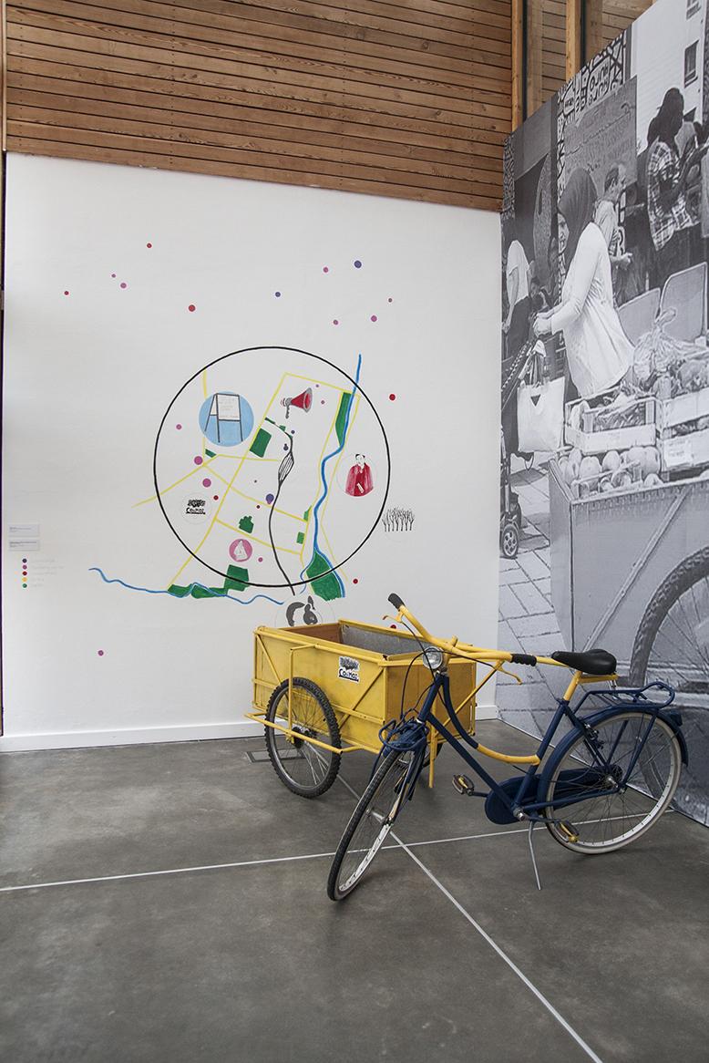 Bicicletta e carrello Con MOI per la condivisione del cibo